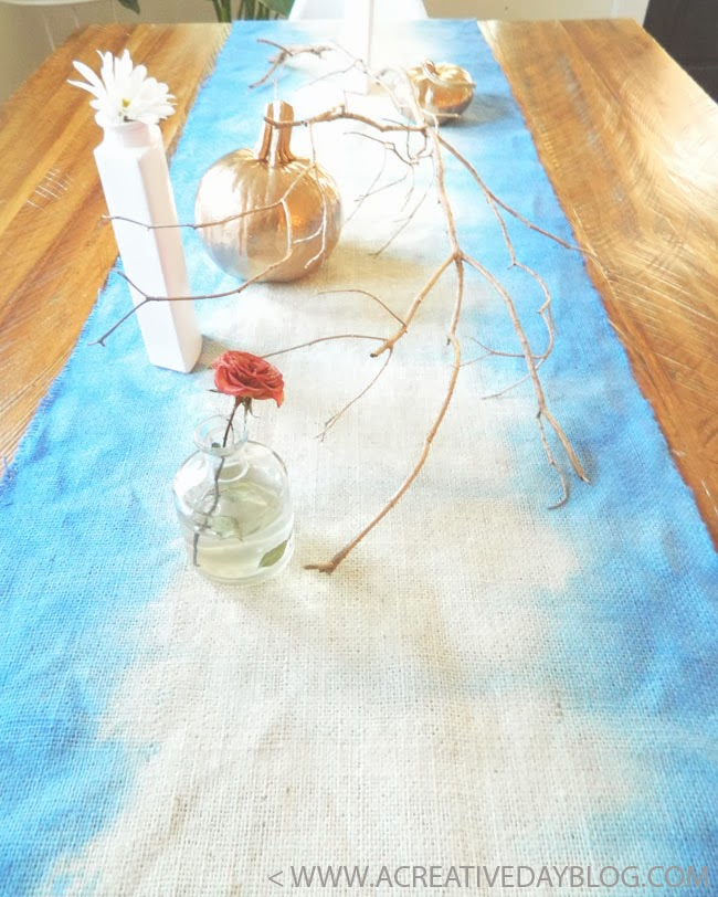 DIY dip dye burlap table runner (via www.acreativedayblog.com)