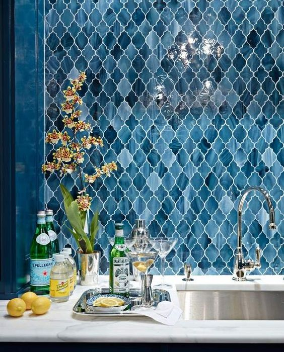 a lovely blue Moroccan tile backsplash is a great idea for a kitchen