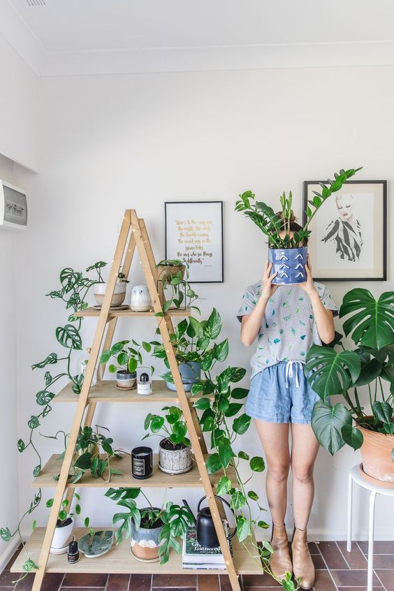 How to use a ladder at home 15 smart ideas shelterness - Simple ways of freshening up spaces without spending too much money ...