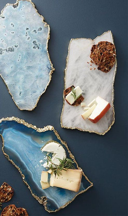 agate and geode cheese boards with a gilded edge look very refined and chic