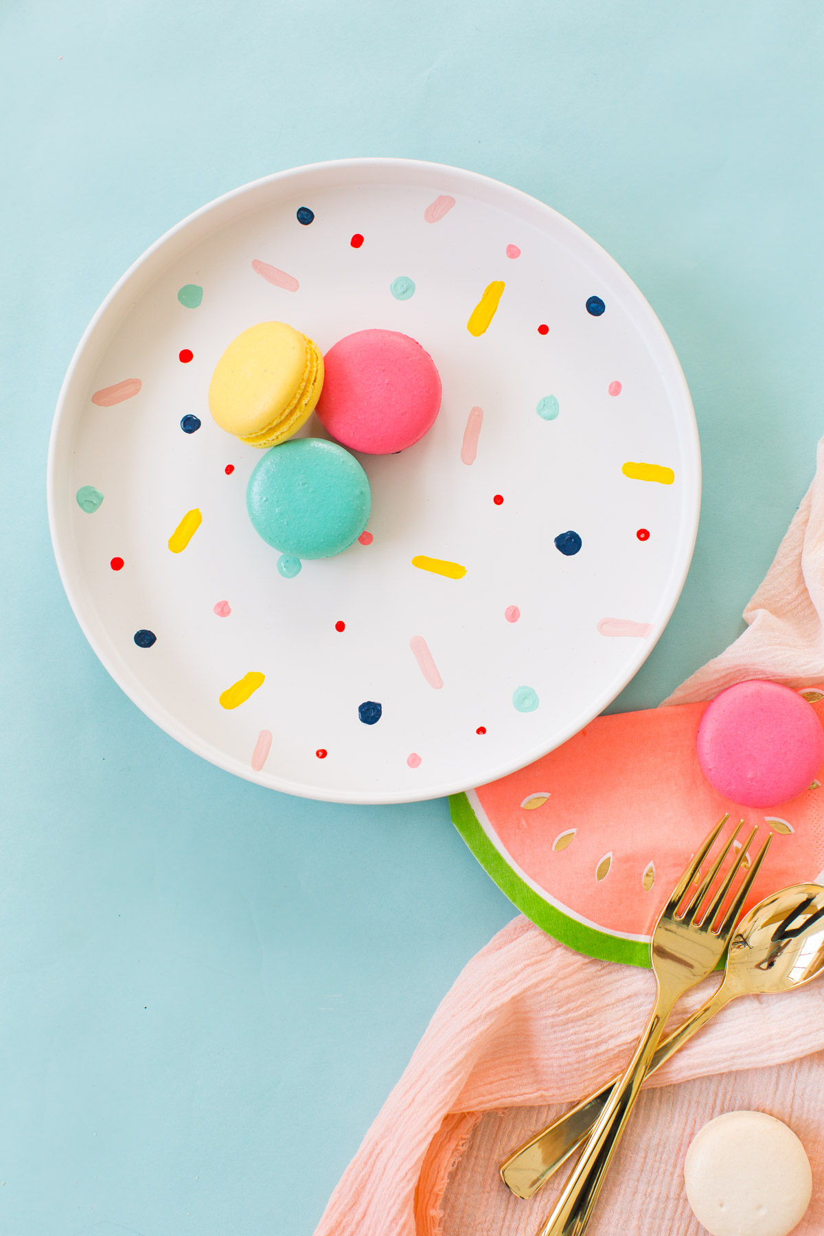 DIY confetti patterned placemats