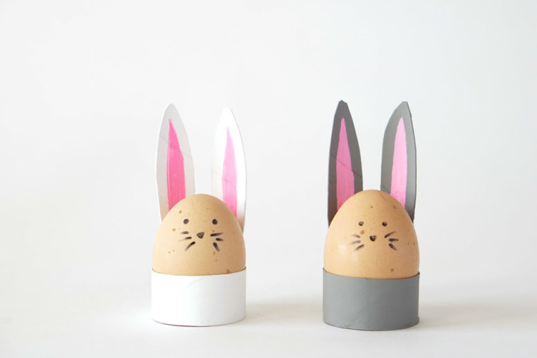 DIY toilet paper roll bunny egg holders (via makermama.com)
