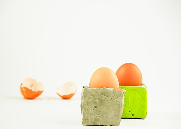 DIY minimalist concrete egg bunkers (via www.handmadecharlotte.com)
