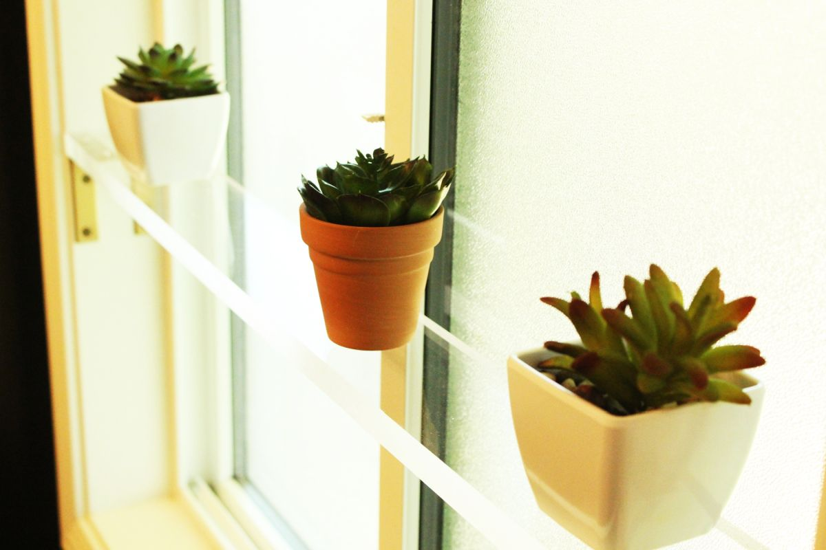 8 Diy Acrylic Shelves And Caddies For A Modern Feel