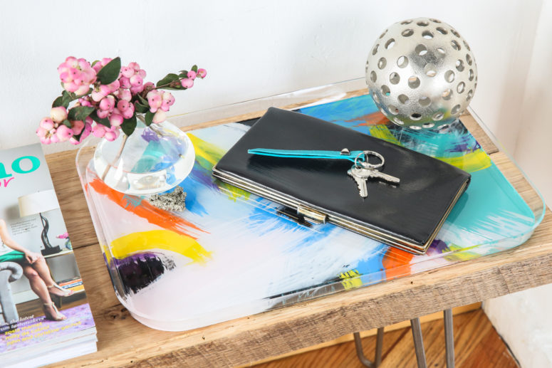 DIY bold painted acrylic tray (via www.forthemakers.com)