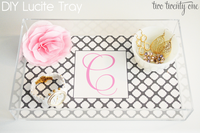 DIY lucite tray with patterned paper (via www.twotwentyone.net)
