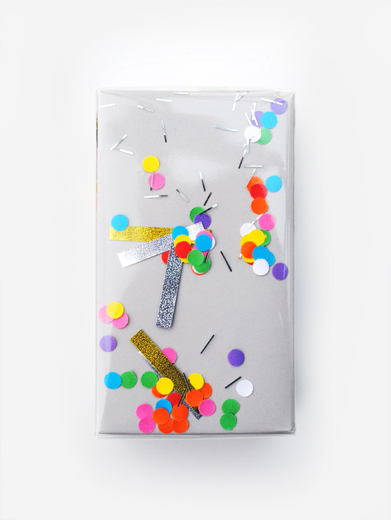 DIY shaking confetti gift wrap