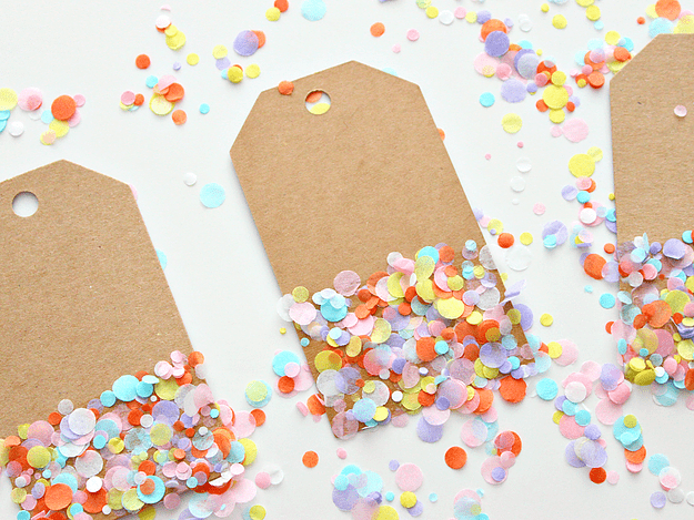 DIY colorful confetti gift tags (via www.whitehousecrafts.net)