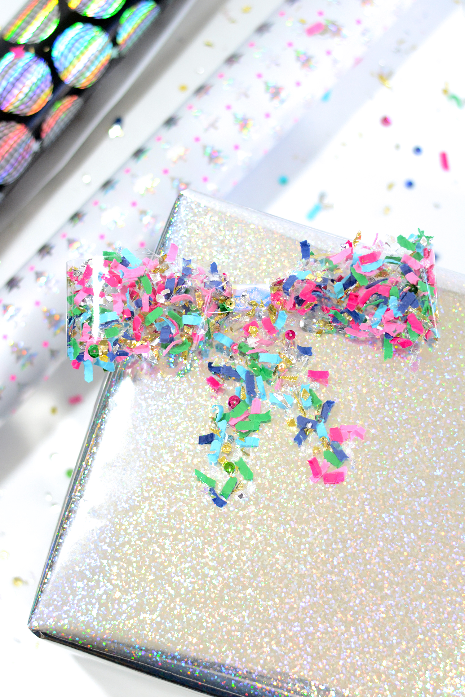 DIY confetti bows as gift tags