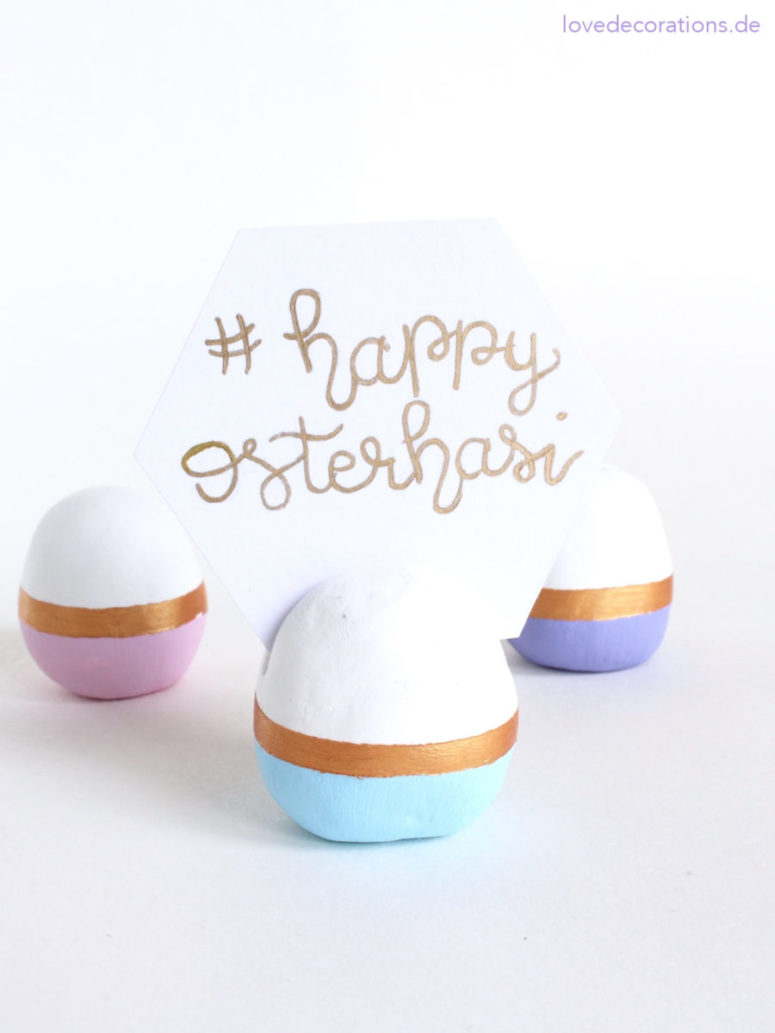 DIY color block egg card holders for Easter (via lovedecorations.de)