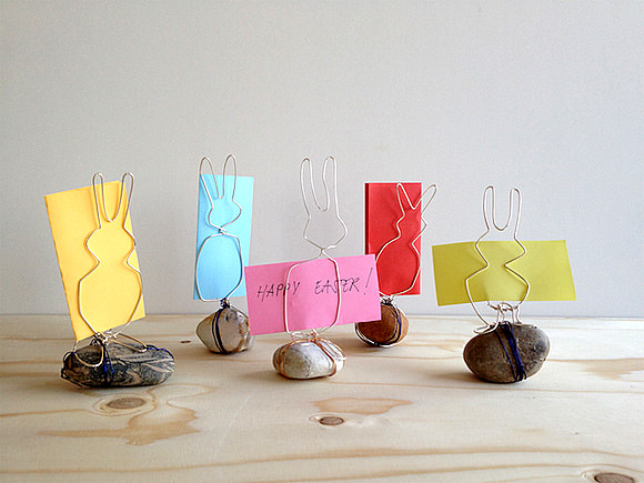DIY wire bunny and rocks Easter card holders