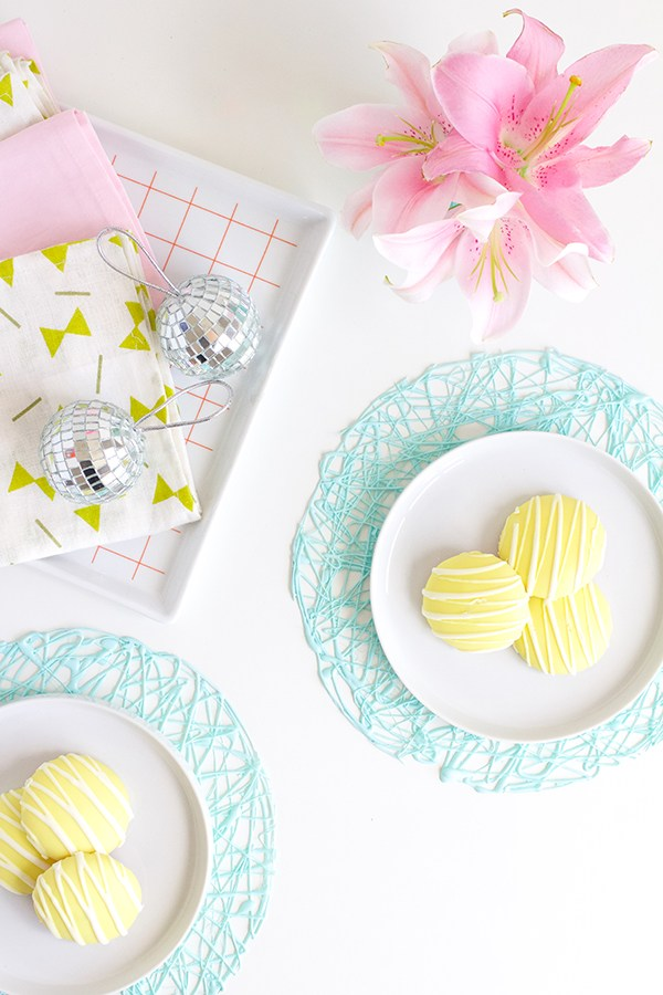 DIY Easter hot glue gun placemats (via bashstudio.com)