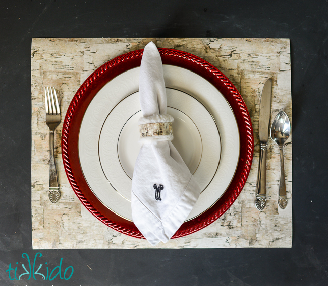 DIY faux birch bark placemat for Easter (via tikkido.com)