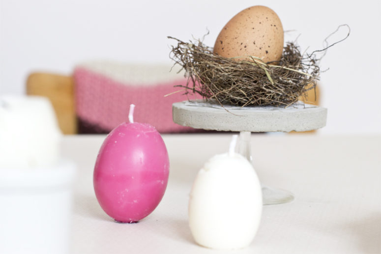 DIY egg-shaped Easter soy wax candles (via look-what-i-made.com)