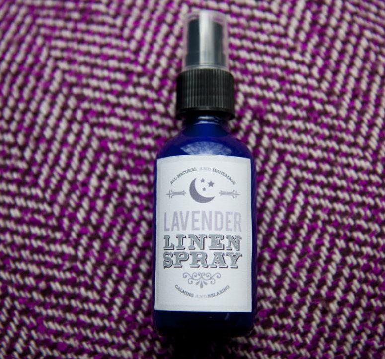 DIY lavender linen spray using essential oils (via wholefully.com)