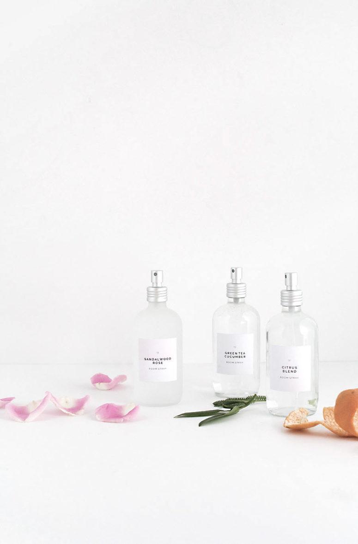 DIY room sprays of various essential oil combos (via www.homeyohmy.com)