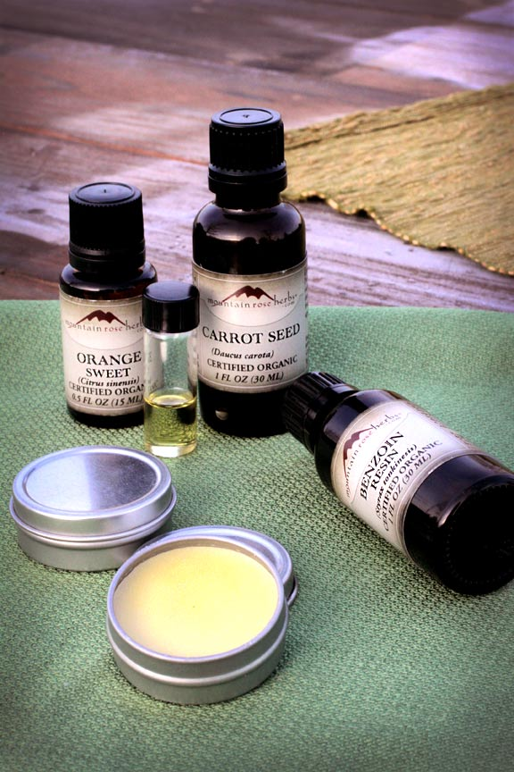 DIY spring aroma sprays of essential oils (via blog.mountainroseherbs.com)