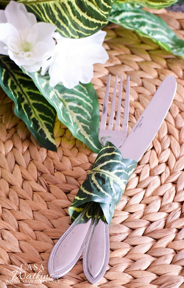 DIY faux palm leaf napkin ring (via casawatkinsliving.com)
