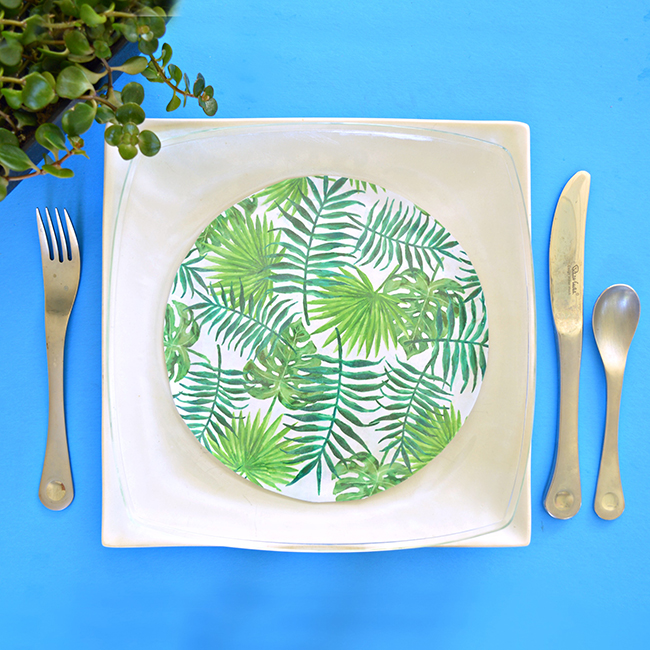 DIY tropical leaf decoupage plates (via myprintly.com)