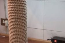 DIY sisal rope post cat scratcher