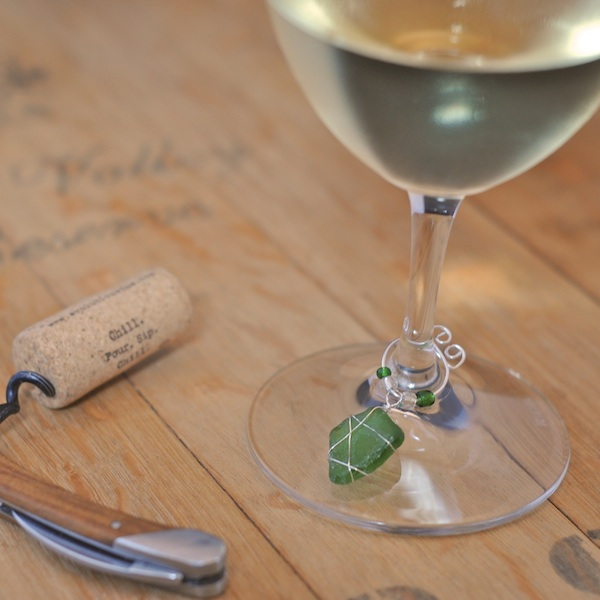 DIY colorful rock glass charms (via www.creativityinpieces.com)