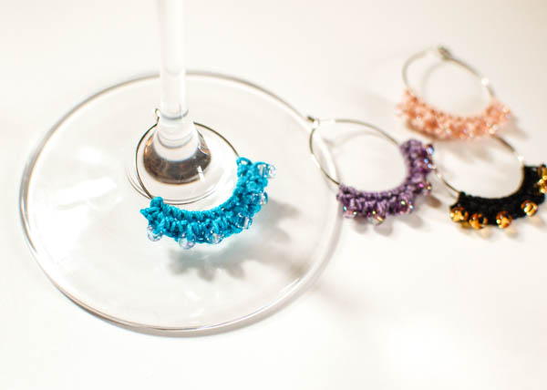 DIY crochet glass charms with little beads (via www.petalstopicots.com)
