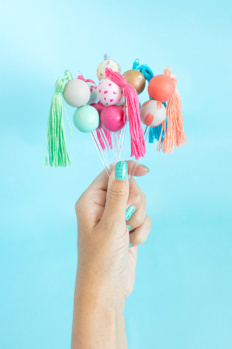 DIY colorful wooden bead drink stirrers (via www.clubcrafted.com)