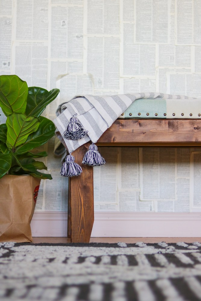 DIY modern farmhouse upholstered bench (via www.lilyardor.com)