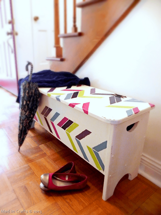 DIY stenciled herringbone entryway bench (via madincrafts.com)