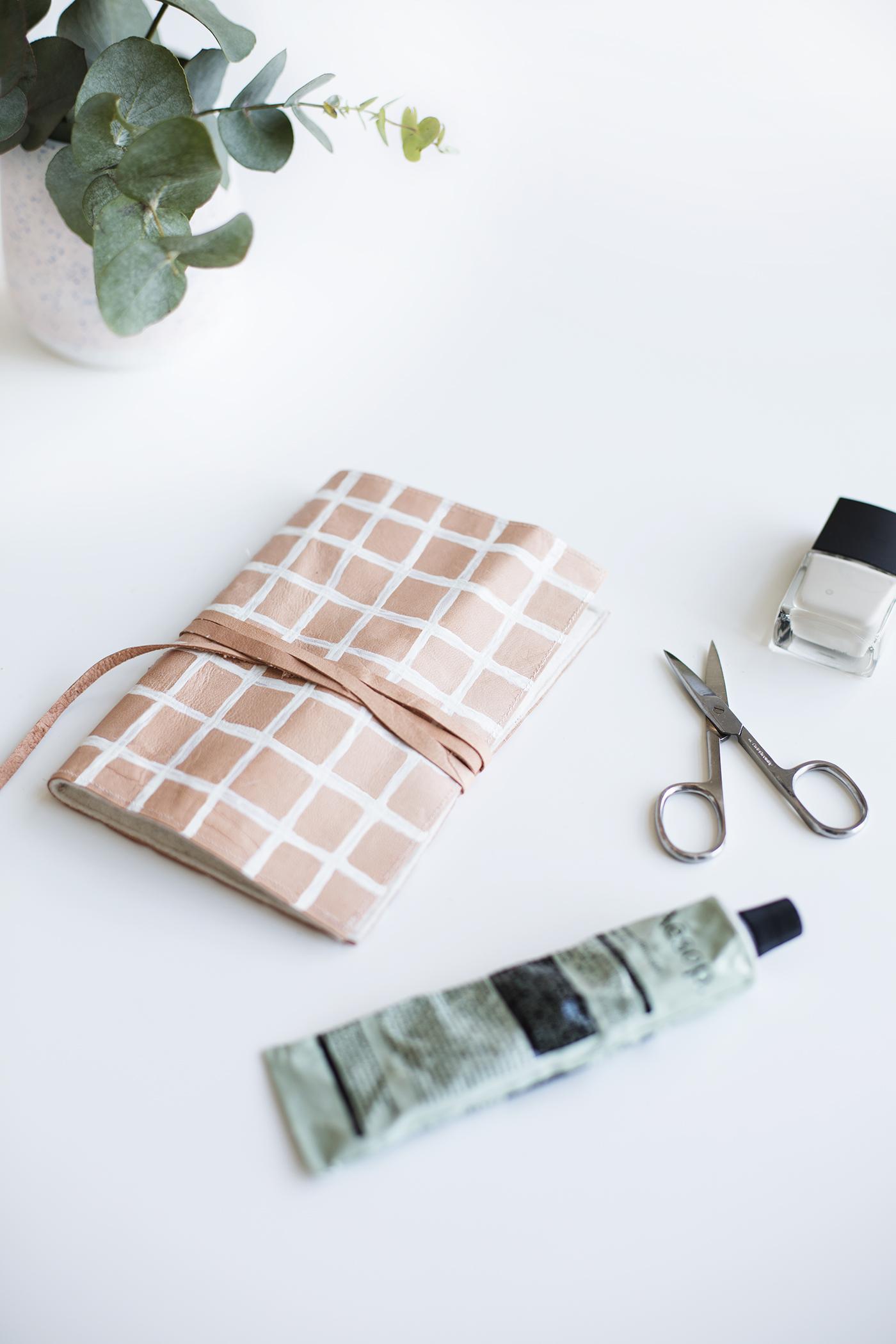 DIY pink windowpane nail kit