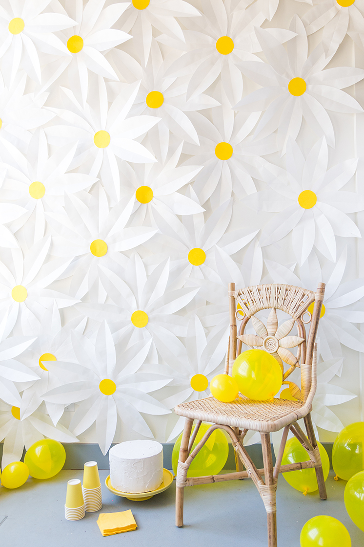 DIY paper daisy backdrop