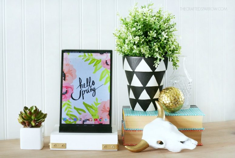 DIY rustic white wooden tablet stand (via www.thecraftedsparrow.com)