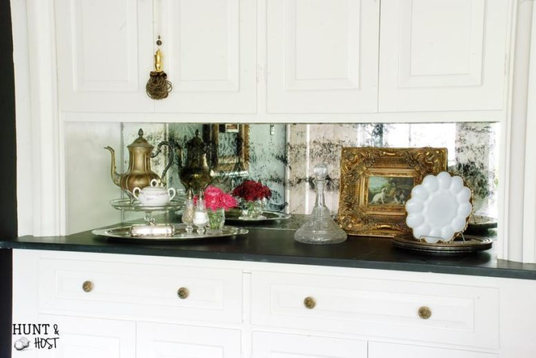 DIY damask antique mirror (via www.huntandhost.net)