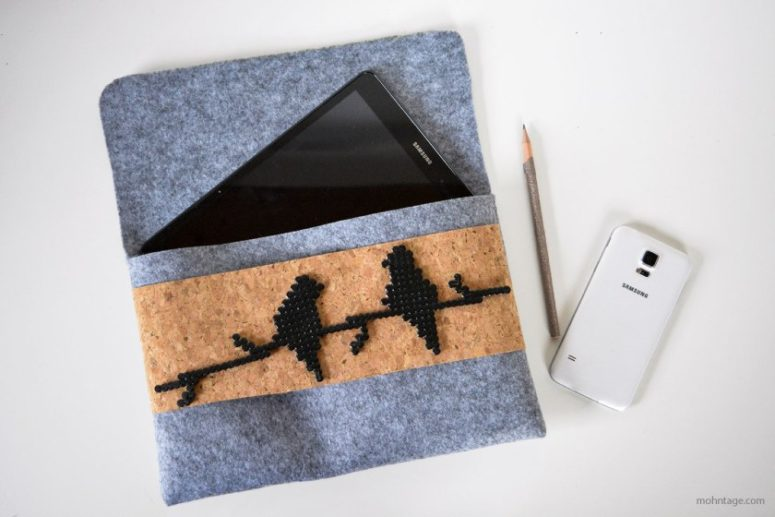 DIY felt tablet case with beaded birds (via www.mohntage.com)