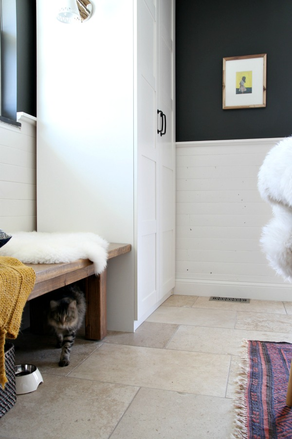 DIY IKEA Pax wardrobe with a hidde litter box for cats (via www.housetweaking.com)