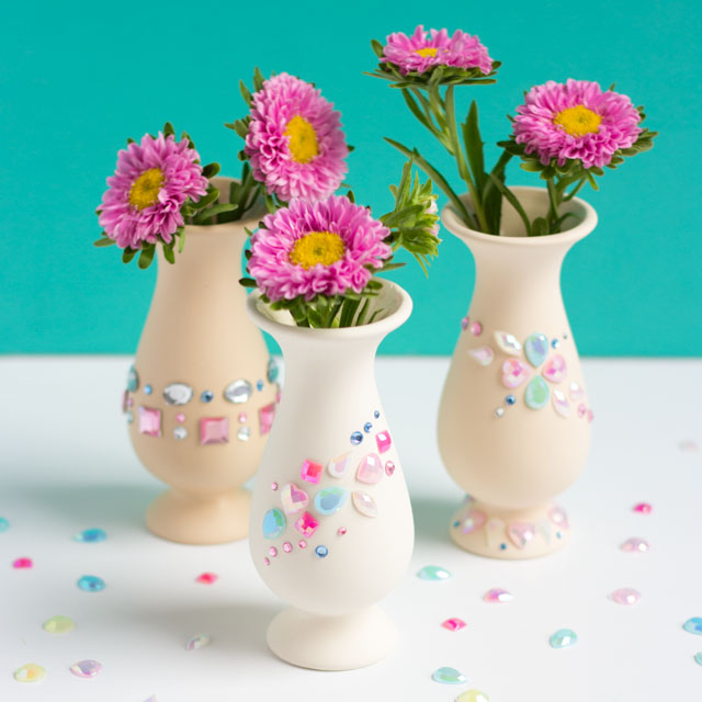 DIY jewel decorated vase (via www.designimprovised.com)
