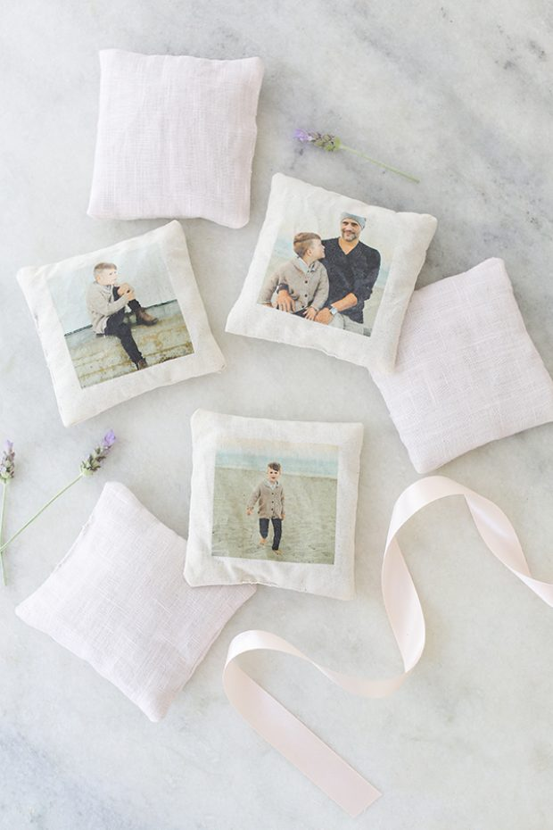 DIY lavender sachets with family photos (via sugarandcharm.com)