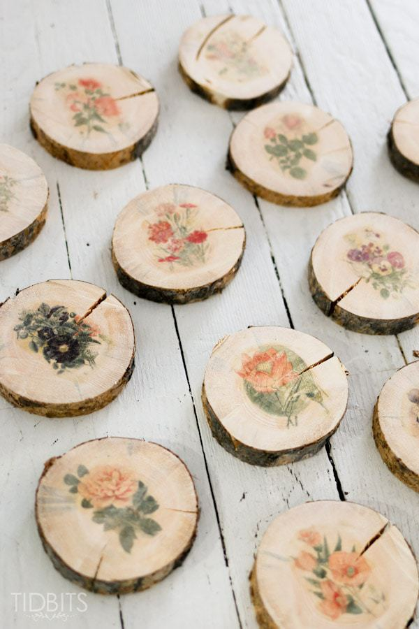 DIY raw edge wood slice coasters with vintage flowers (via www.tidbits-cami.com)