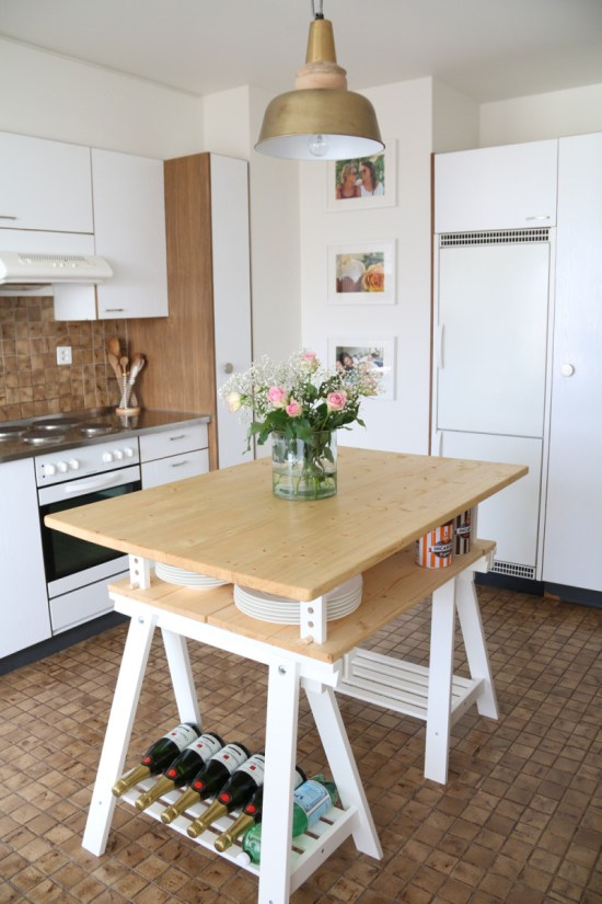 DIY lightweight kitchen island of Finnvard legs and wood