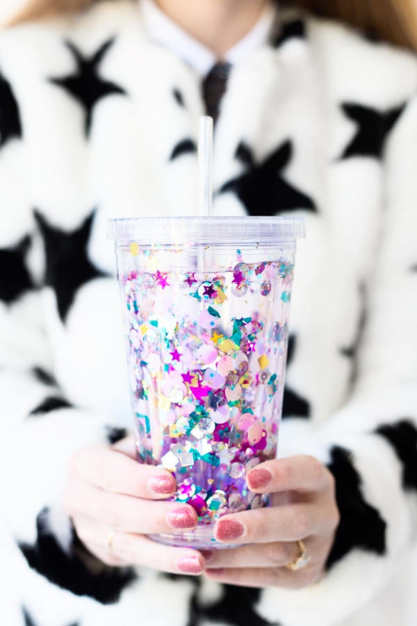 DIY floating glitter and sequin tumblers (via studiodiy.com)