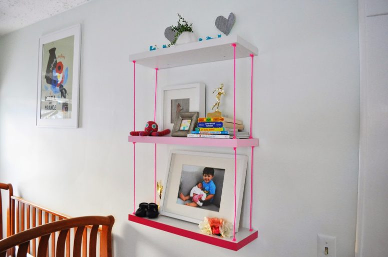 DIY ombre pink hanging shelf (via www.ducklingsinarow.com)