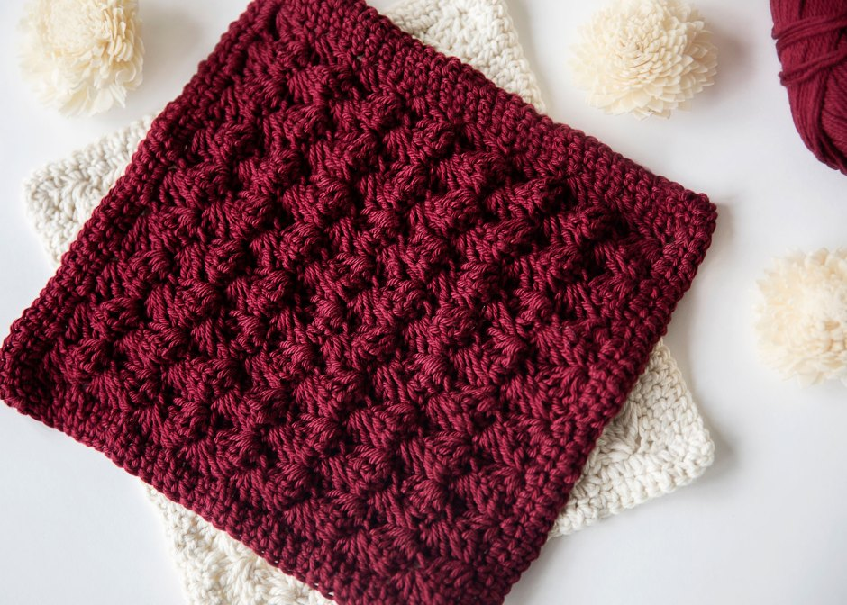 DIY decorative crocheted potholders