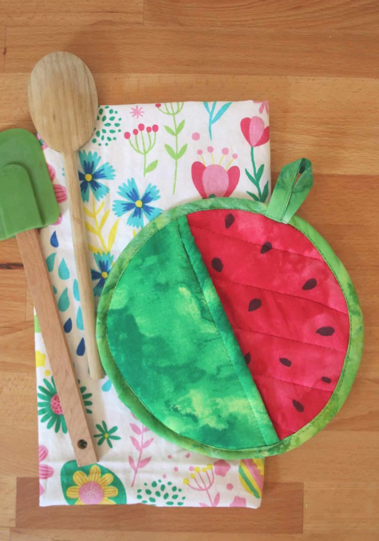 DIY watermelon potholder of bright fabric (via abeautifulmess.com)