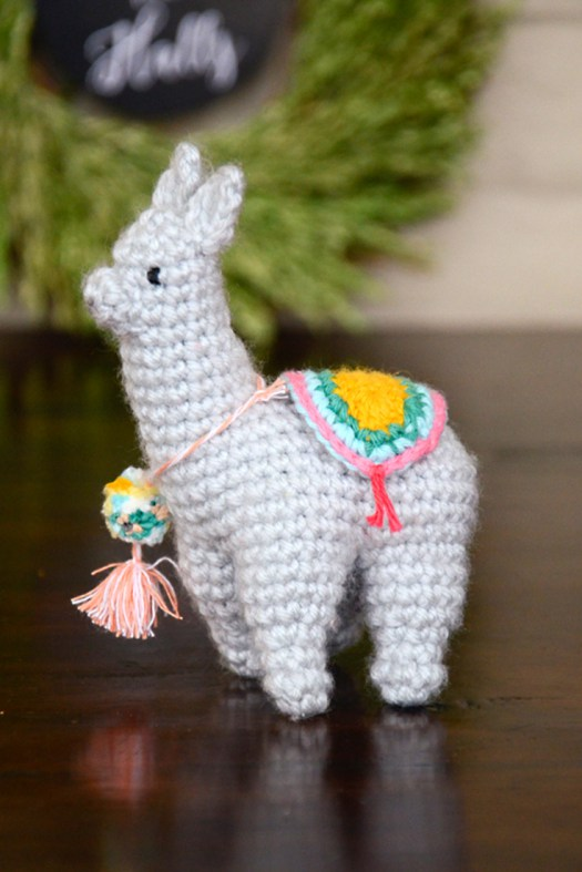 DIY super cute crocheted llama (via picotpals.com)