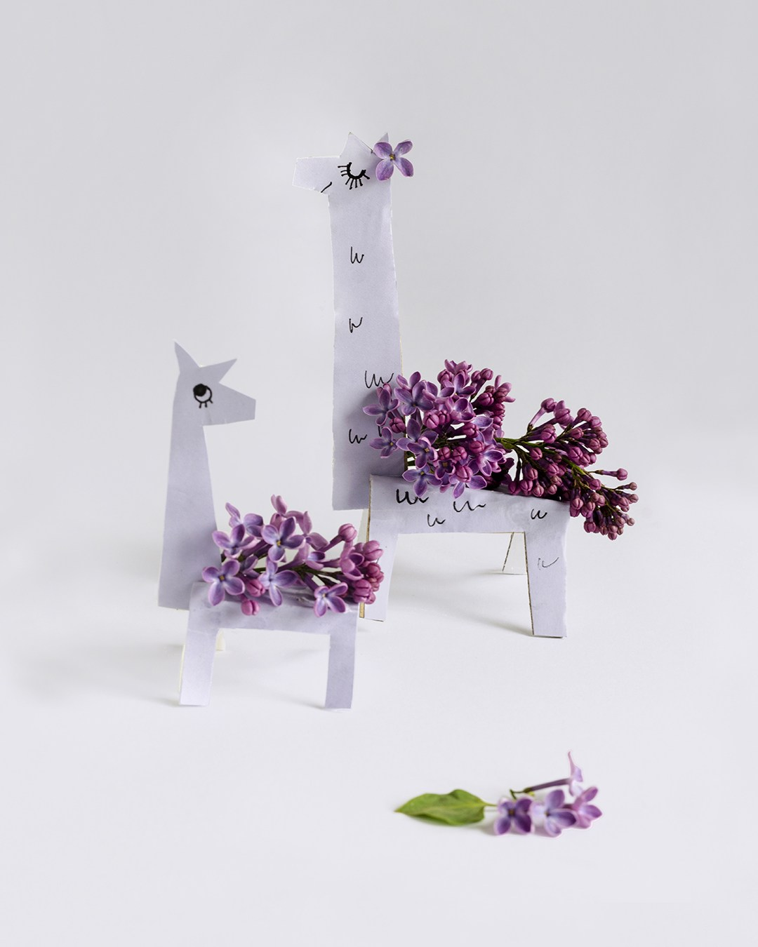 DIY lilac llamas with real lilac