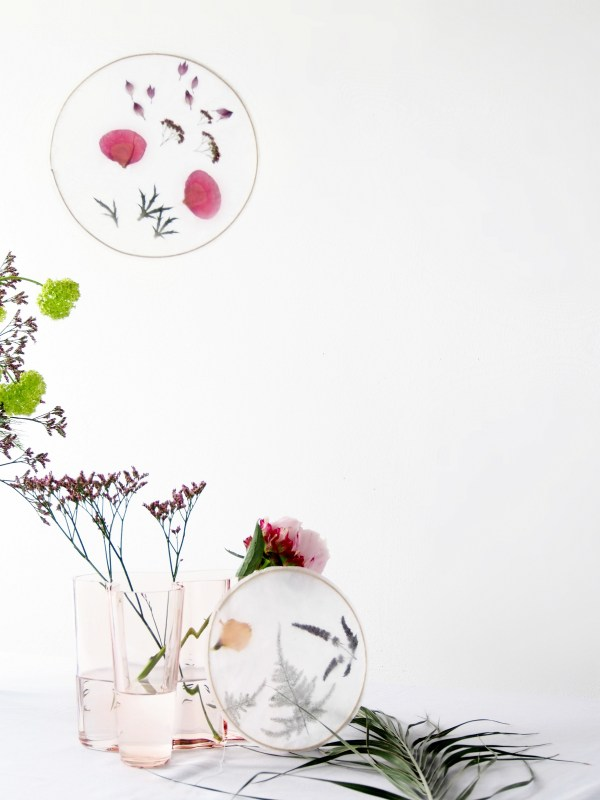 DIY pressed flower suncatchers