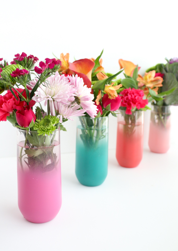 DIY bold and colorful ombre vases of glass tumblers (via akailochiclife.com)