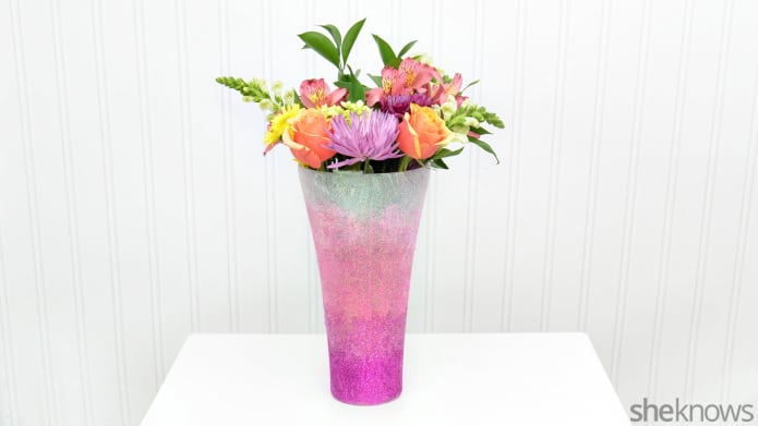 DIY ombre vase in the shades of pink for Valentine's Day (via www.sheknows.com)