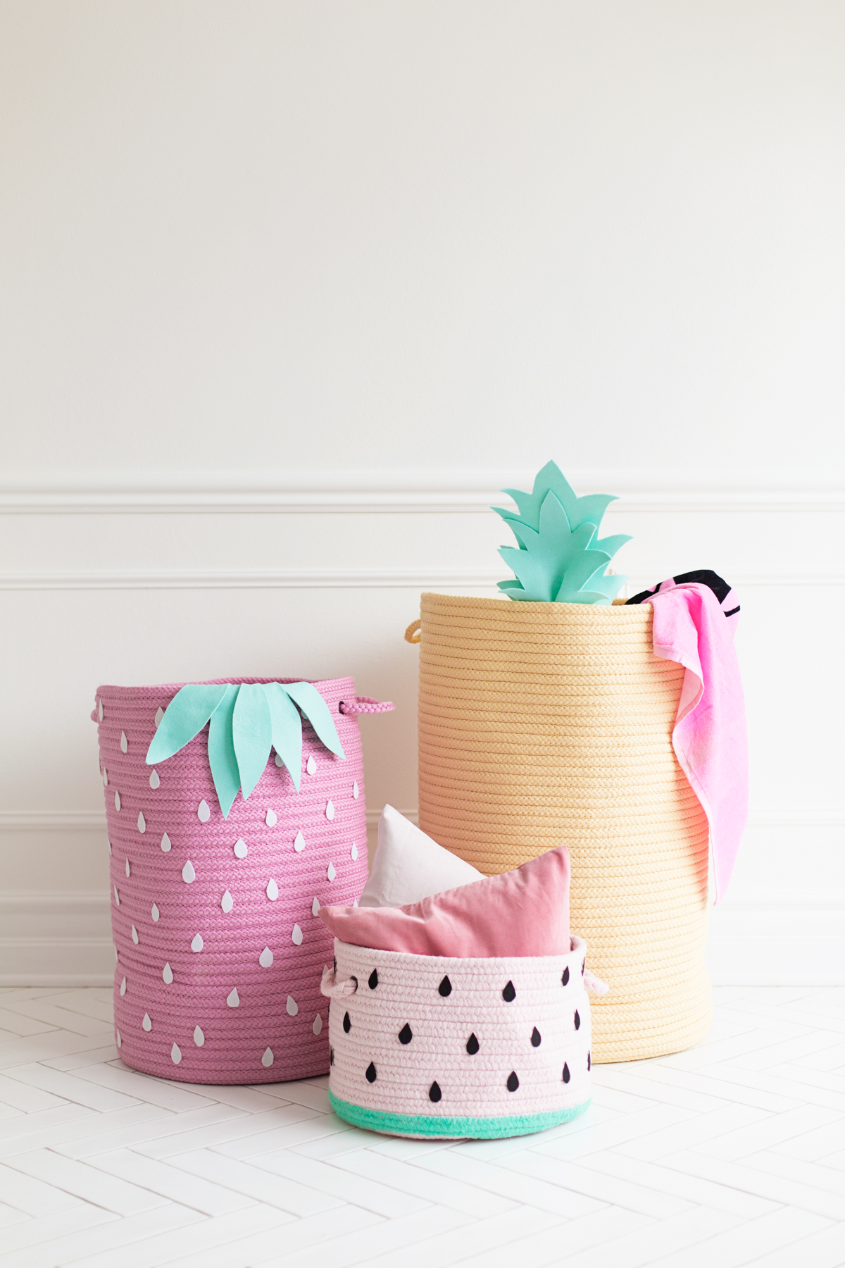 DIY colorful fruity baskets of rope