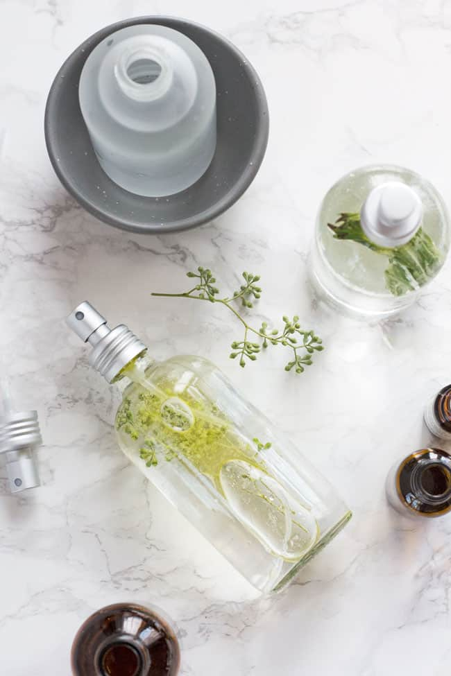 3 DIY mood boosting room sprays